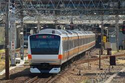 立川市を走るJR中央線