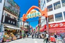 杉並区・高円寺の純情商店街(出典:PIXTA)