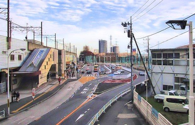 橋本駅南口ロータリーと新駅予定地の相原高校、ロータリー奥はイトーヨーカドーとショッピングモール「アリオ橋本」