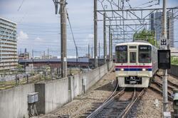 多摩市を走る京王線