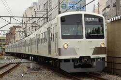 小平市を走る西武新宿線