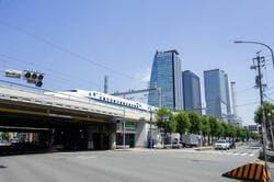 名古屋市中村区亀島交差点の風景 (出典:PIXTA)