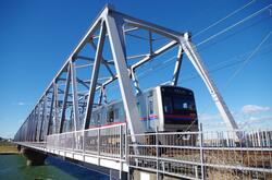習志野市を走る京成本線