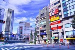 目黒駅東口の様子(出典:PIXTA)