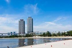 「Brillia Tower 有明 MID CROSS」の最寄り駅、お台場海浜公園(出典:PIXTA)