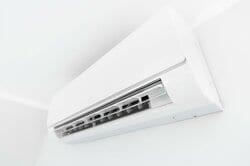 エアコン内部を乾燥させる