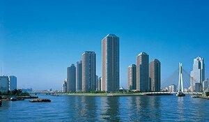 「大川端リバーシティ21」の「センチュリーパークタワー」は湾岸の象徴でもある(写真提供:三井不動産)
