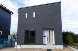 片流れ屋根の住宅